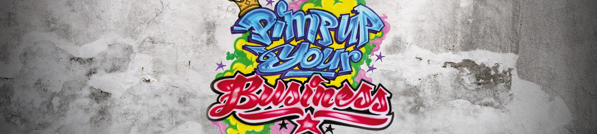 """Logo """"Pimp up your Business"""" auf weißem Sichtbeton"""